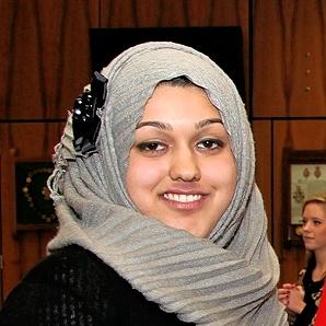 Sumaiya Karim, Anggota Parlemen Inggris Pertama yang Berjilbab