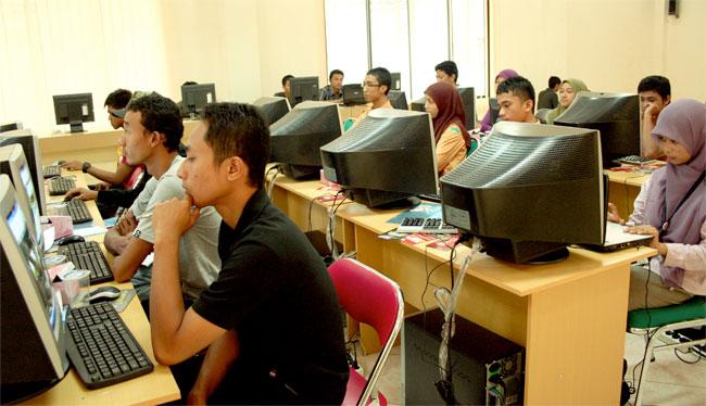 Rayakan HUT ke-5, Aceh Blogger Berbagi Buku