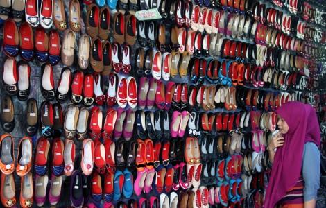 Jual Sepatu (antaranews.com)