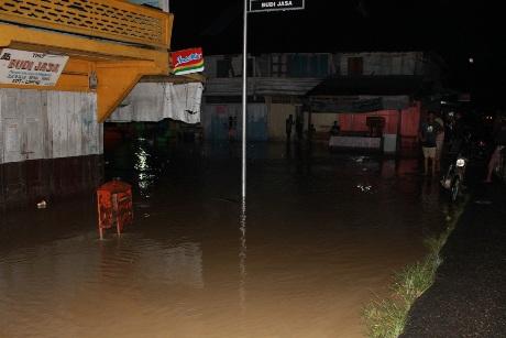 Banjir di Desa Pucoek Alue Rheng (Foto Tarmizi Age)