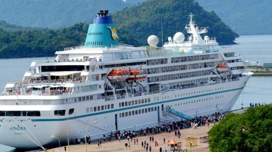 Kapal Pesiar Bahamas Angkut Ratusan Wisatawan