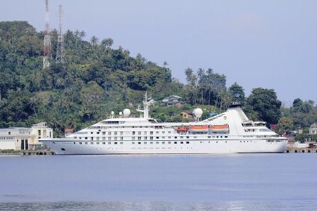 Kapal Pesiar Seabourn Legend Bersandar Lagi di Sabang