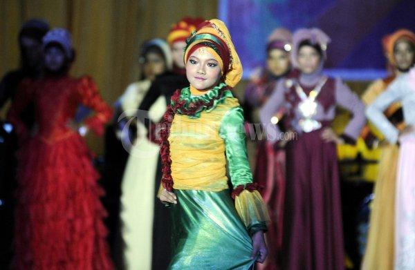 Fesyen Show Busana Muslim (tribunnews.com)