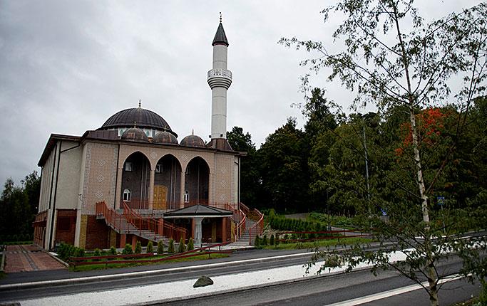 Masjid Fittja di Stockholm (xeegonews.com)