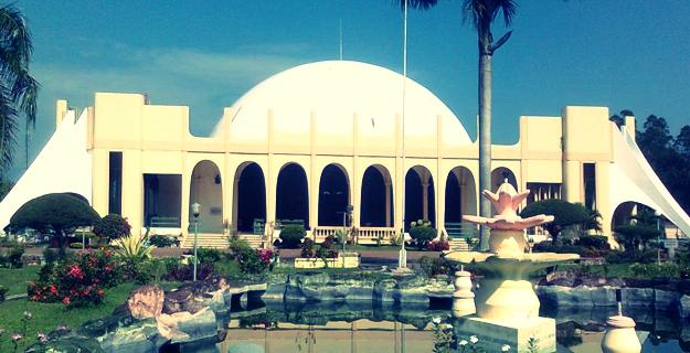 Masjid Al-Munawwarah Jantho, Aceh Besar (foregone0.blogspot.com)