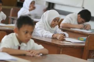 Ujian Nasional SD (tribunnews.com)
