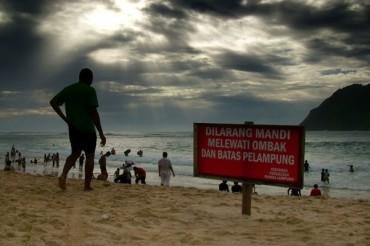 Foto Mengisi Libur Lebaran di Pantai Lampuuk