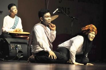 Kelompok Seni dari Aceh Pukau Penonton Festival Nasional Seni Pertunjukan Indonesia