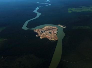Foto Hutan Amazon yang Menyedihkan