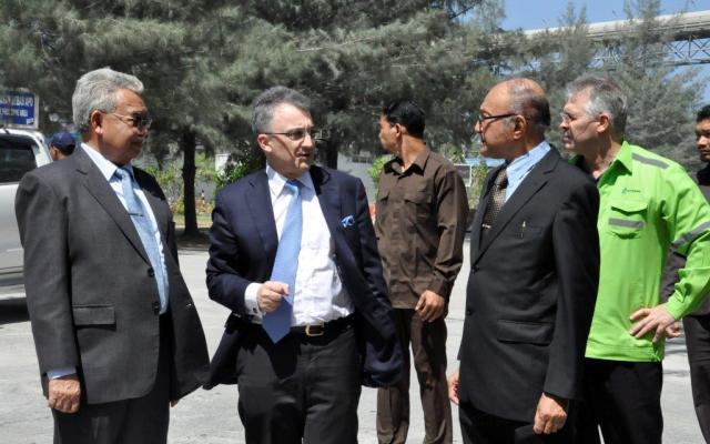 Kunjungan CEO PT Lafarge Cement Indonesia, Antony Ricolfi