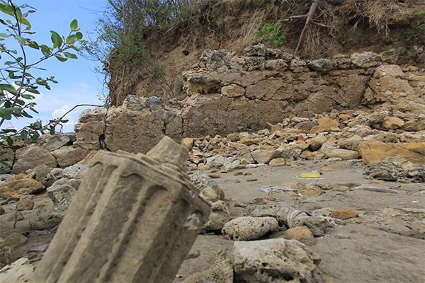 Sisa bangunan pada zaman dahulu, pondasi dari material batu karang dan tanah liat (Foto M Iqbal/SeputarAceh.com)