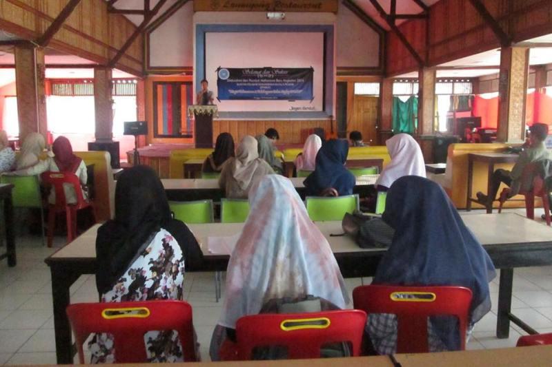 Mahasiswa Baru Kuala Pesisir Nagan Raya Di Peusijuk