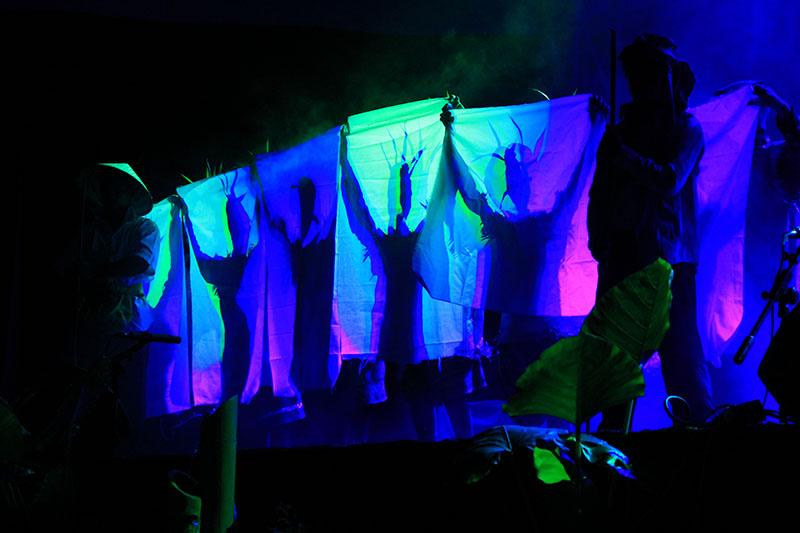 Sejumlah penari membawakan Tari Kolosal Pintu Tue sebagai penutup di Gayo Art Summit 2014 (Foto M Iqbal/SeputarAceh.com)