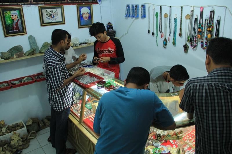 Suasana-Aceh-Gems-Stone-Center-Foto-@Iqbal_Mhd